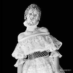 xalexander-mcqueen-fw-campaign8_jpg,qresize=640,P2C640_pagespeed_ic_emEOXfg3qS