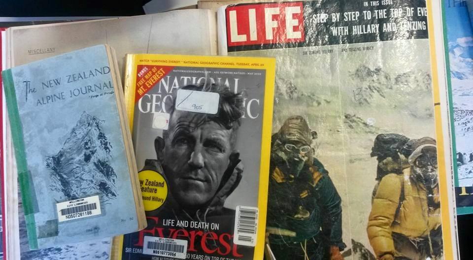 Hillary Magazines