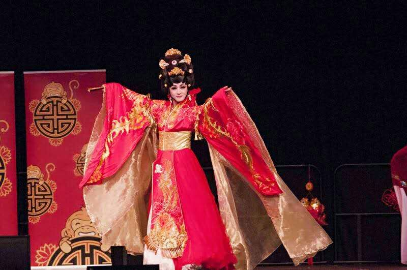 the characteristics of the beijing opera a chinese national treasure As a genuine fan of the peking opera, fei yongquan has his own way of paying  tribute to one of china's national treasures  his artwork is not only limited to the  peking opera, but also features a broad range of designs, such.